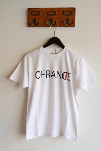 EELなりのおフランスへの解釈を文章にしてプリントしたのがなんともいい感じ。